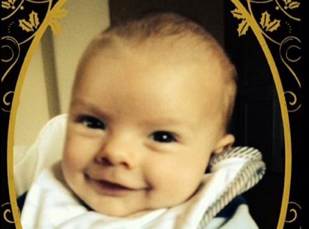 Fergie : son adorable baby-boy Axl vous souhaite de bonnes fêtes !