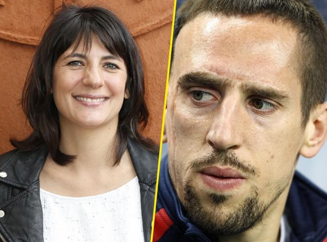"""Franck Ribéry clashé par Estelle Denis : """"Je ne savais pas que le plongeon était recommandé pour le mal de dos !"""""""