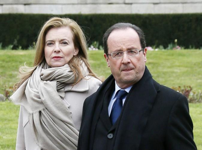 """François Hollande : d'après un proche: """"Jusqu'ici il pensait pouvoir acter une séparation, mais il est en train de céder !"""""""