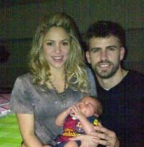 Gerard Piqué : il fête sa victoire auprès de Shakira et de Milan !