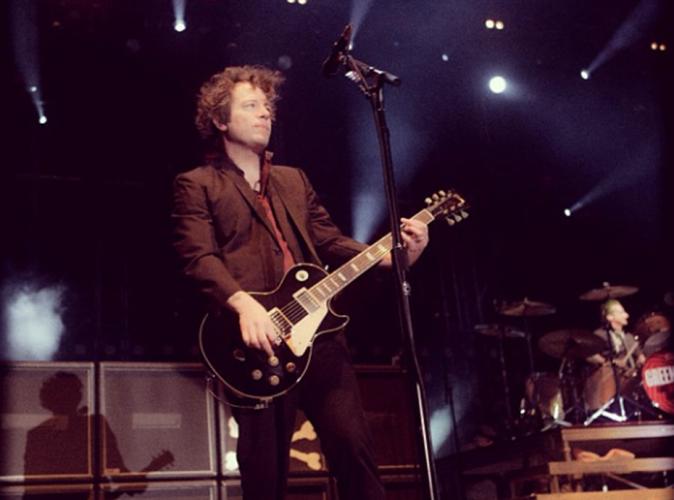 Green Day : le guitariste Jason White, frappé par un cancer…