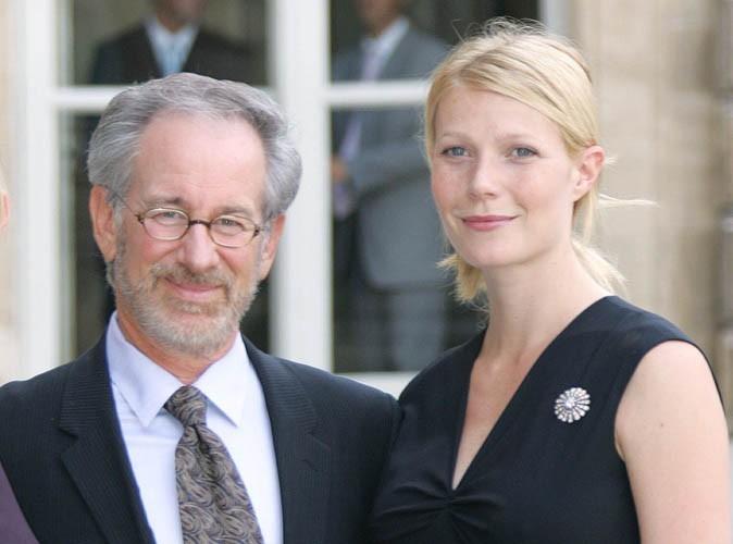 Gwyneth Paltrow : elle dégaine tous ses bikinis pour ses vacances avec Steven Spielberg !