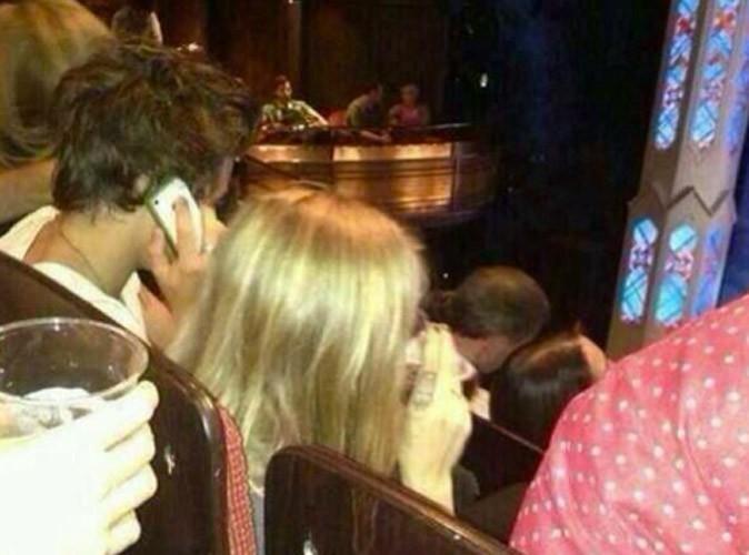 Harry Styles et Cara Delevingne : rendez-vous galant au théâtre !