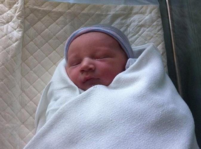 Heather Morris : quelques heures après son accouchement, elle nous présente son bébé en photo !