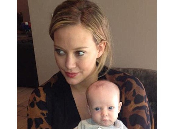Hilary Duff : tendre photo avec son adorable petit Luca !