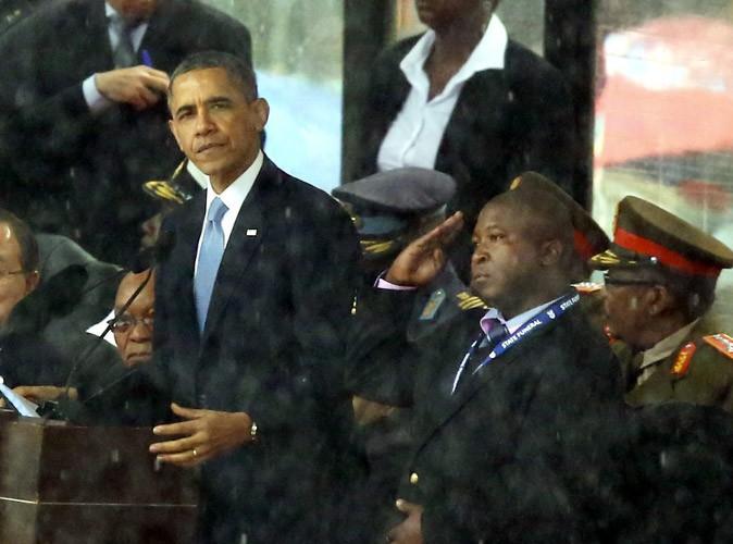 """Hommage à Nelson Mandela : l'interprète """"intrus"""" se défend et se dit victime de schizophrénie !"""