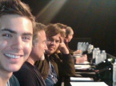 Jack Black : il s'incruste sur les photos de Zac Efron !