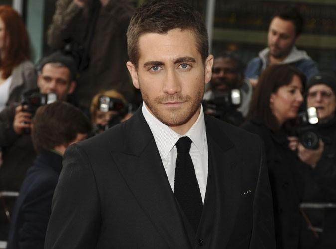 Jake Gyllenhaal pris en photo aux toilettes !