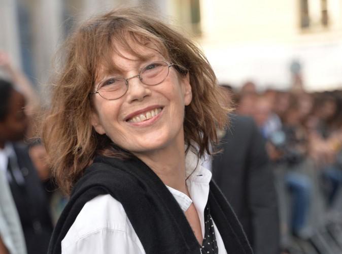"""Jane Birkin montre les crocs : la maison Hermès bientôt obligée de débaptiser son mythique sac """"Birkin"""" !"""