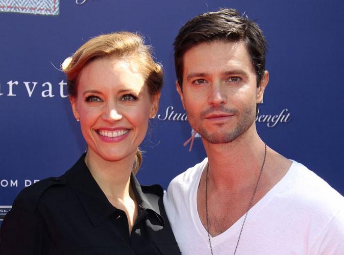 Jason Behr : l'ancienne star de Roswell et son épouse KaDee Strickland sont devenus parents pour la première fois !