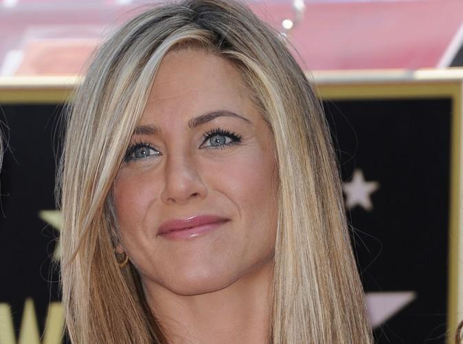 Jennifer Aniston : obsédée par les dermatos !