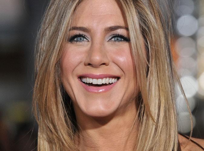 Jennifer Aniston : repérée en Crète, le berceau de sa famille, dans un hôtel spécialisé dans les mariages…