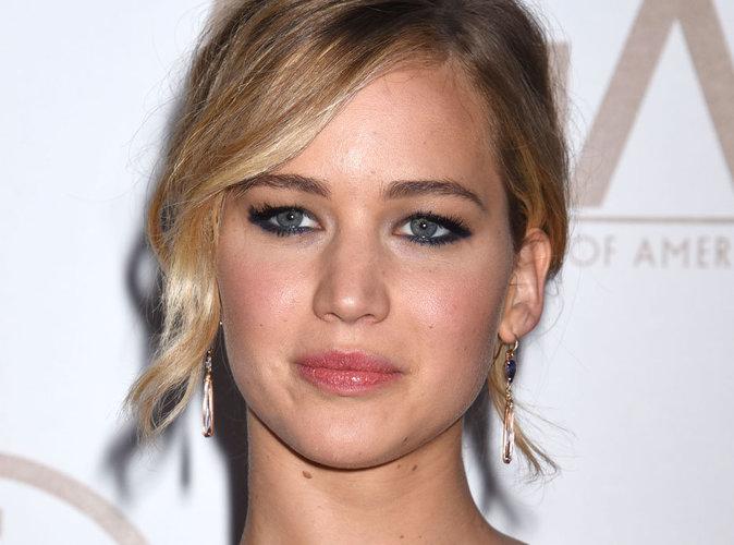 """Jennifer Lawrence en a """"marre d'être moins payée que ceux qui ont un pénis"""" !"""