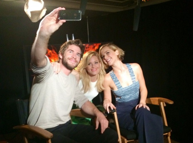 Jennifer Lawrence & Liam Hemsworth : une photo entre amis avant la campagne promo d'Hunger Games !