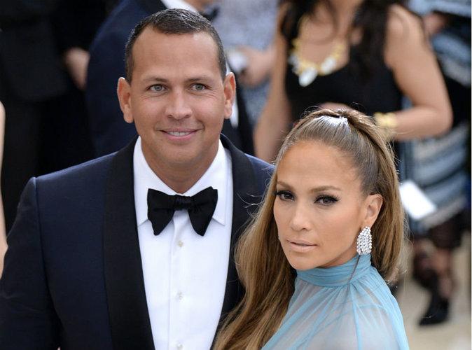 Jennifer Lopez affiche son adorable nouvelle famille avec Alex Rodriguez !