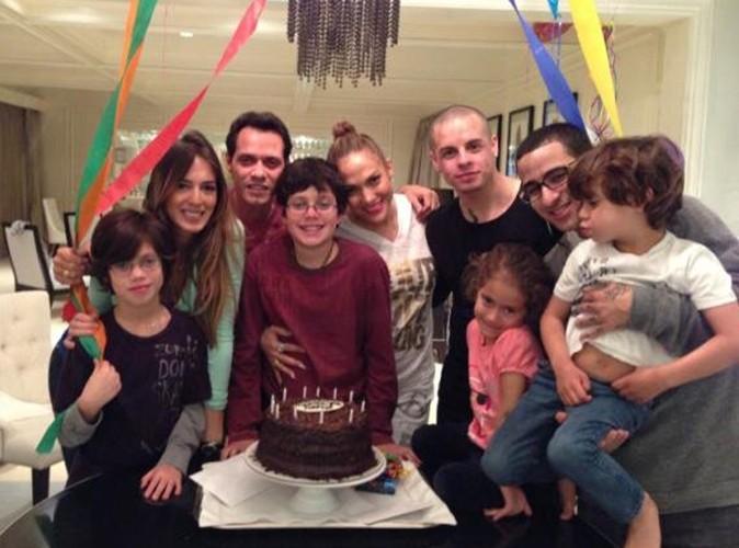 Jennifer Lopez : anniversaire familial aux côtés de Marc Anthony et de Casper Smart !