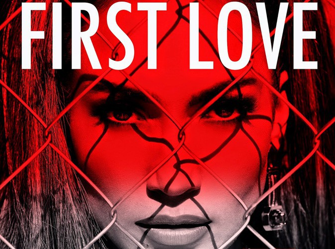 "Jennifer Lopez : elle dévoile la pochette de son nouveau single ""First Love"" !"