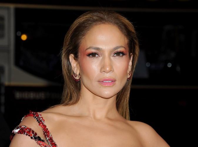 Jennifer Lopez laisse planer le doute sur sa situation amoureuse !