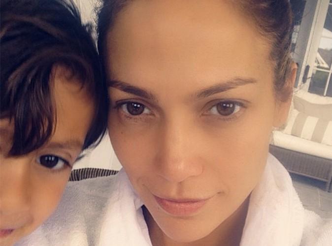 Jennifer Lopez : sans make-up et en compagnie de son fils Max, la bomba latina resplendit !