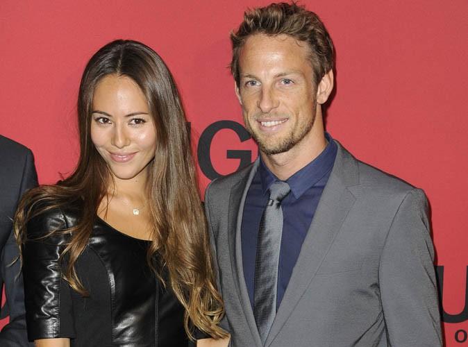 Jenson Button : le beau gosse de la F1 est en route pour le mariage... Un mois après avoir perdu son père !