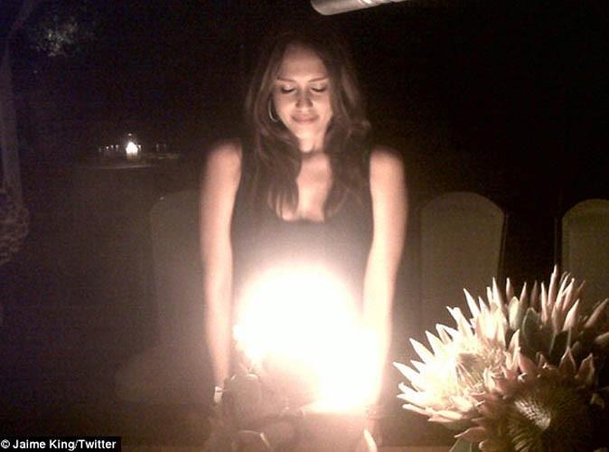 Jessica Alba enceinte et en bikini pour son anniversaire... Découvrez vite les photos !