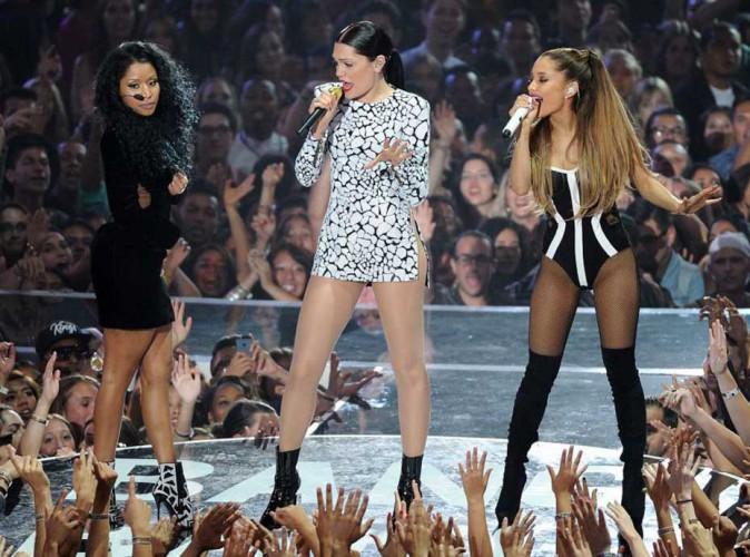 Jessie J, Ariana Grande et Nicki Minaj : elles déclenchent une fête géante dans le clip de Bang Bang !
