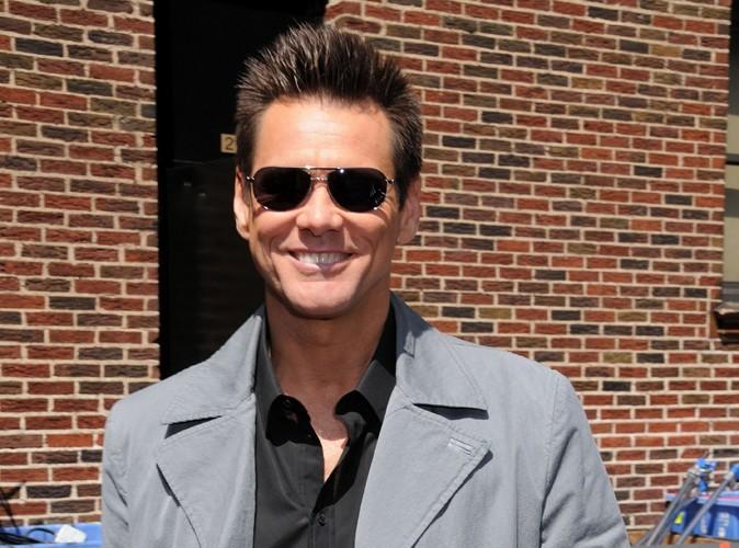 Jim Carrey : à 49 ans il sort avec une étudiante…