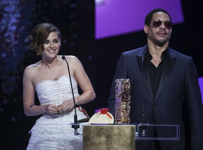 """JoeyStarr regrette son """"boulot d'hôtesse"""" face à Kristen Stewart aux César !"""