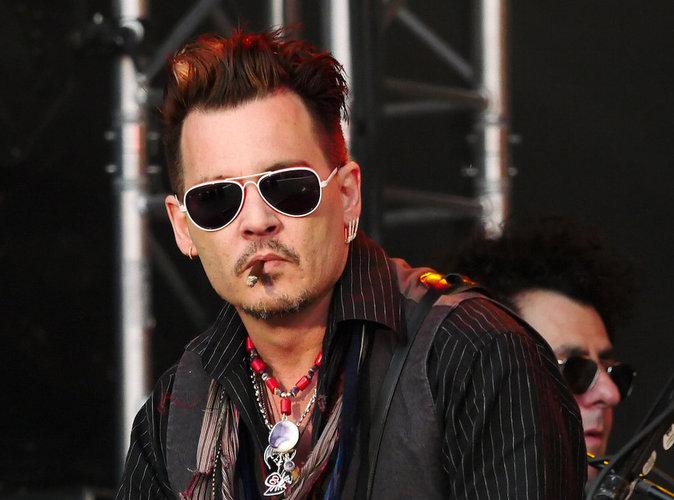 Johnny Depp : Il fait la fête pour oublier!