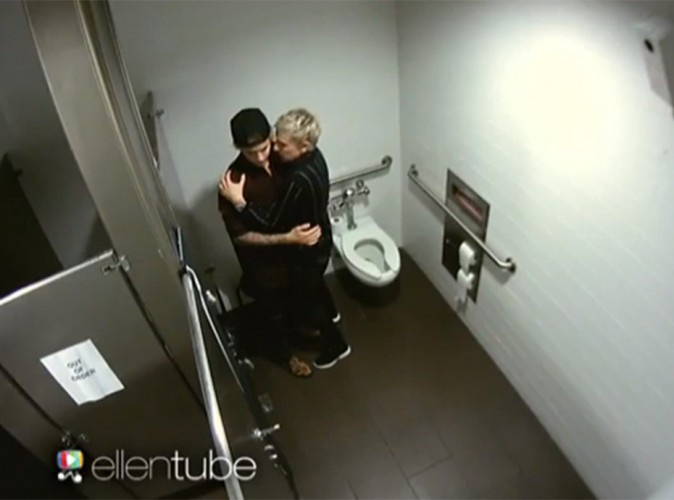 justin bieber chop dans les toilettes avec ellen. Black Bedroom Furniture Sets. Home Design Ideas