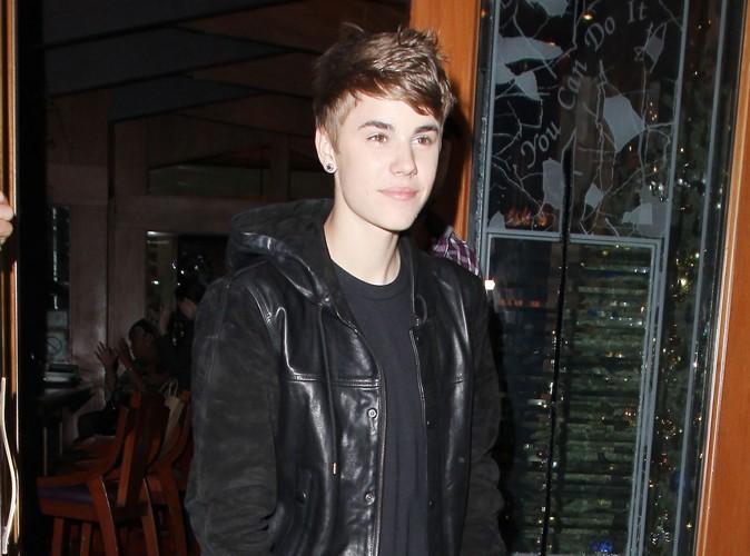 Justin Bieber : il offre 100000$ à une école !