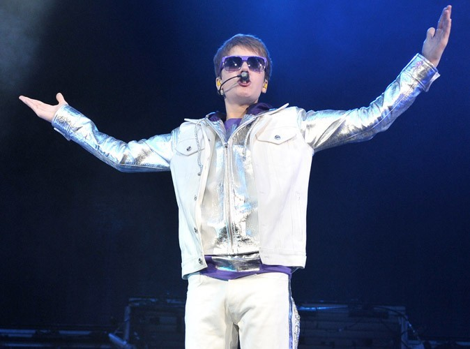 Justin Bieber sauve sa mère des flammes !