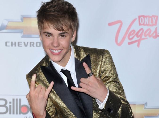Justin Bieber : son premier vrai caprice de star, un pendentif  à 25 000 dollars fait sur mesure !