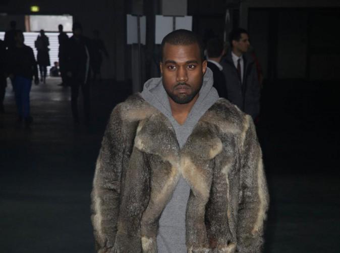 """Kanye West prévoirait d'offrir un château à Kim en guise de """"cadeau de mariage"""" !"""
