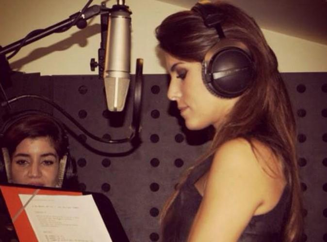 Karine Ferri : l'animatrice de The Voice en studio pour la bonne cause !