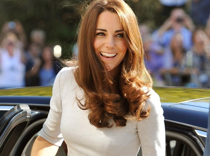 """Kate Middleton : la reine la trouve """"paresseuse, vaniteuse, dépensière et  ignorante """" !"""