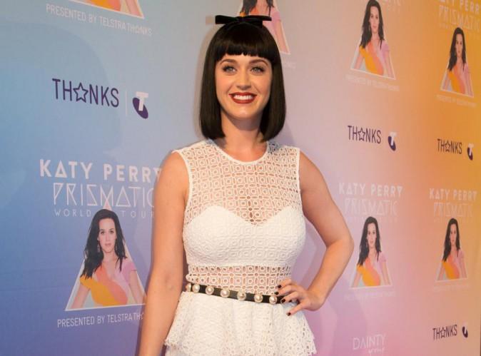 """Katy Perry : elle balance sur """"la langue infâme"""" de Miley Cyrus !"""
