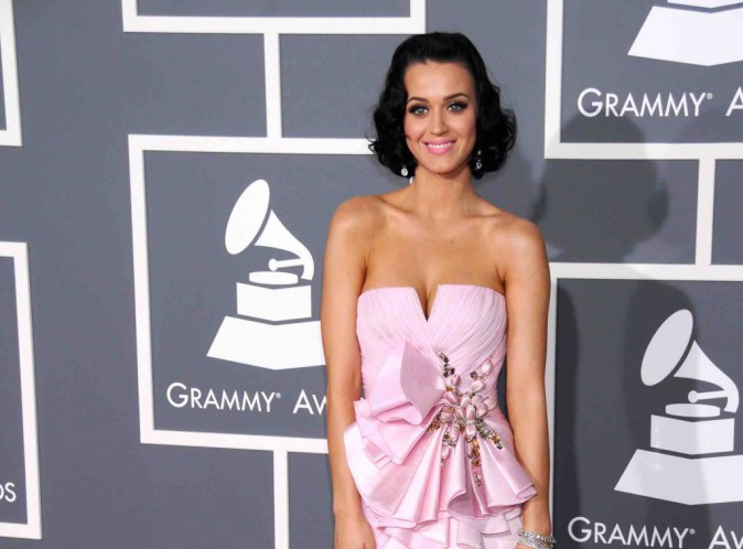 Katy Perry : elle est all�e jusqu'� faire la m�me coupe que Kris Jenner !