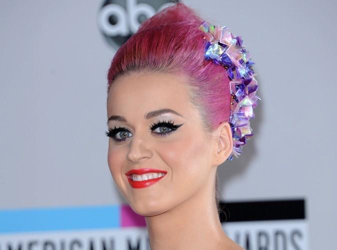 Katy Perry : elle lance sa collection de faux cils !
