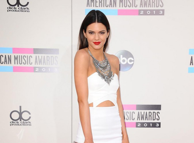 """Kendall Jenner, mannequin en pleine ascension, on lui conseille d'en finir avec """"Keeping Up With The Kardashians"""" !"""