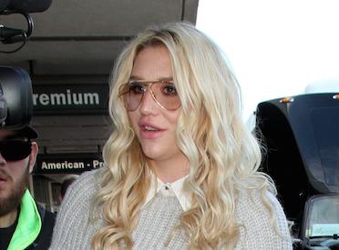 """Kesha """"devrait consacrer son temps à sa musique au lieu de mentir"""""""
