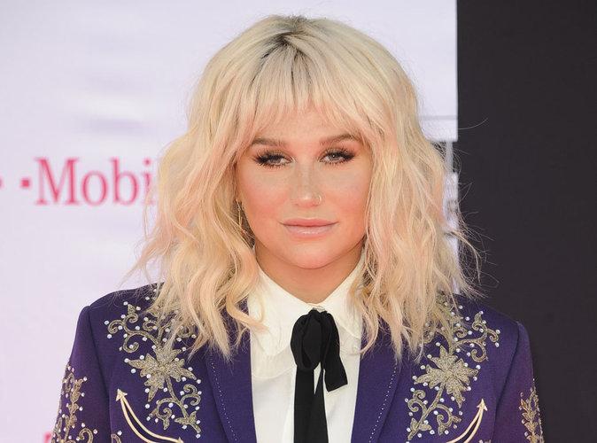 Kesha : elle abandonne son procès contre l'homme qui l'a harcelée sexuellement !