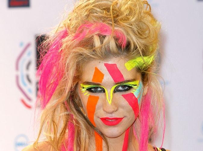 Kesha : métamorphosée, la chanteuse a enfin laissé tomber tous ses artifices pour un shooting exceptionnel !