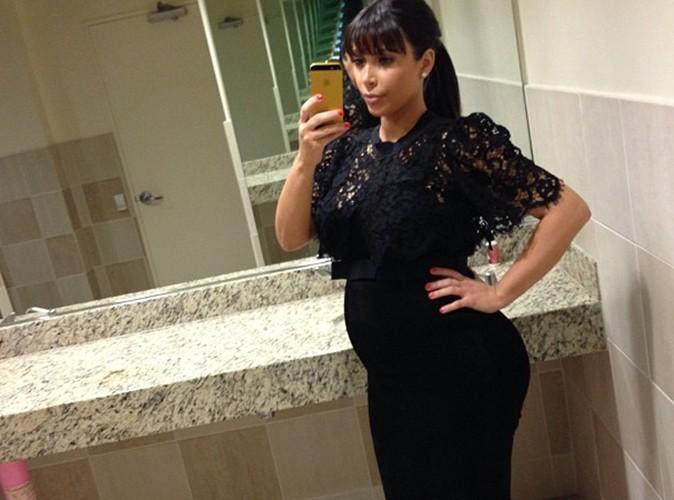 Kim Kardashian : elle affiche un baby bump décomplexé !