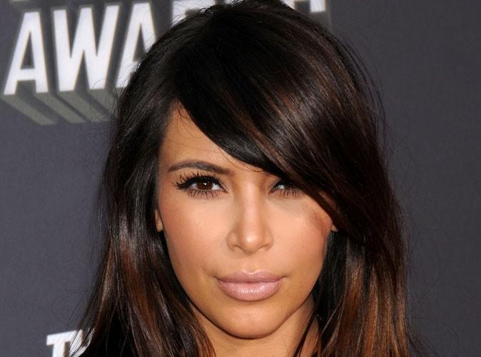 Kim Kardashian : elle nous a bien eus avec sa fausse frange !