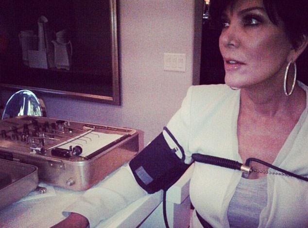 Kim Kardashian : elle passe sa mère au détecteur de mensonges !