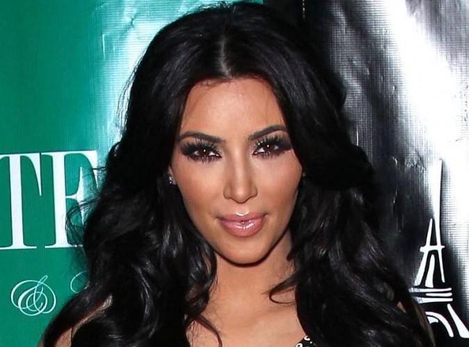 Kim Kardashian : elle s'offre un cours de yoga avec un homme nu !
