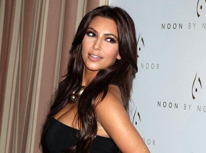 Kim Kardashian : elle sort le derrière presque à l'air !