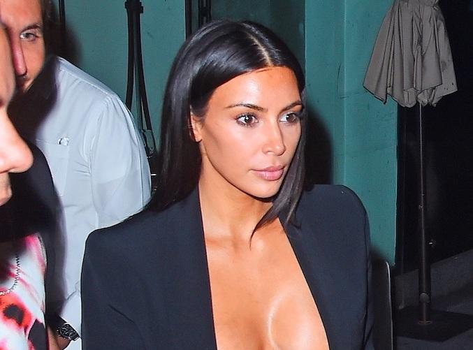 Kim Kardashian :  Poursuivie en justice, elle risque très gros !