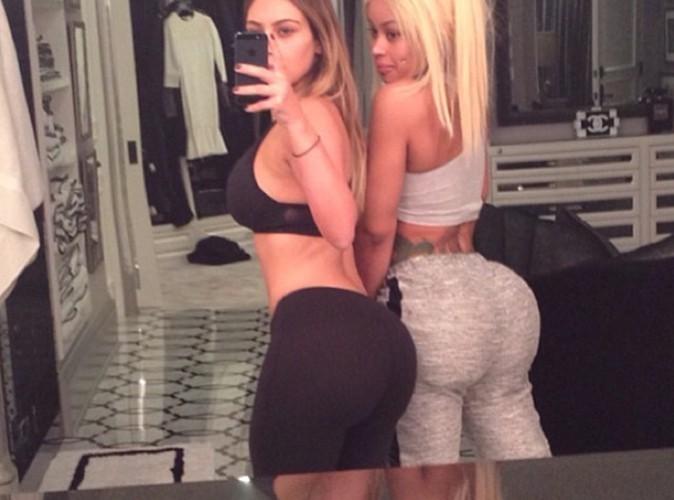 Kim Kardashian : trop fière de son derrière avec sa copine Blac Chyna !